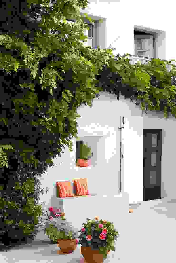 Casas de estilo mediterráneo de Casa Josephine Mediterráneo