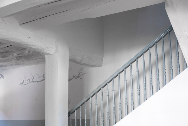 Pasillos, halls y escaleras mediterráneos de Casa Josephine Mediterráneo