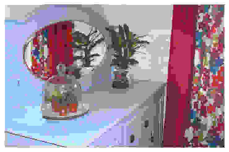 Living Room, Leeds Crow's Nest Interiors Living roomCupboards & sideboards