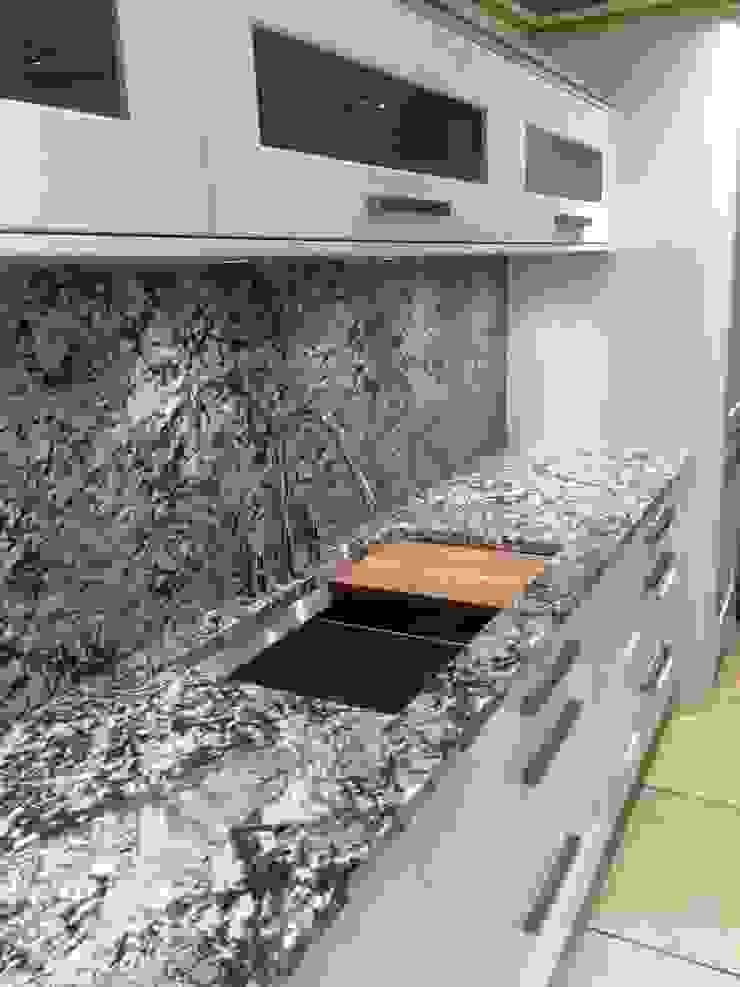 Showroom: minimalist  by 4 Seasons Kitchens, Minimalist