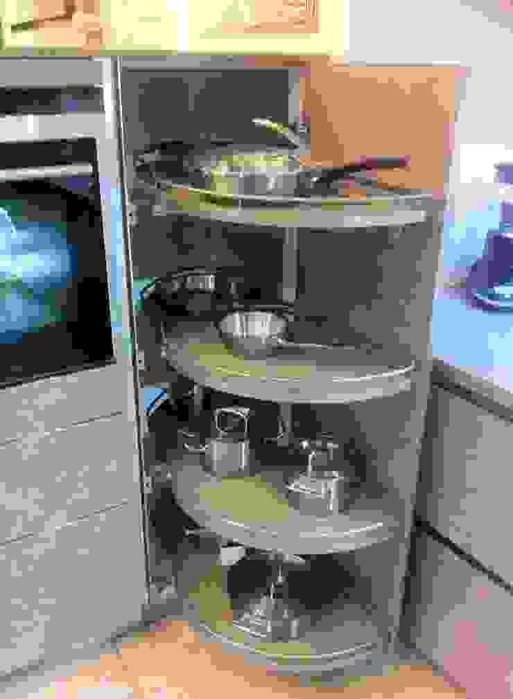 Showroom: classic  by 4 Seasons Kitchens, Classic