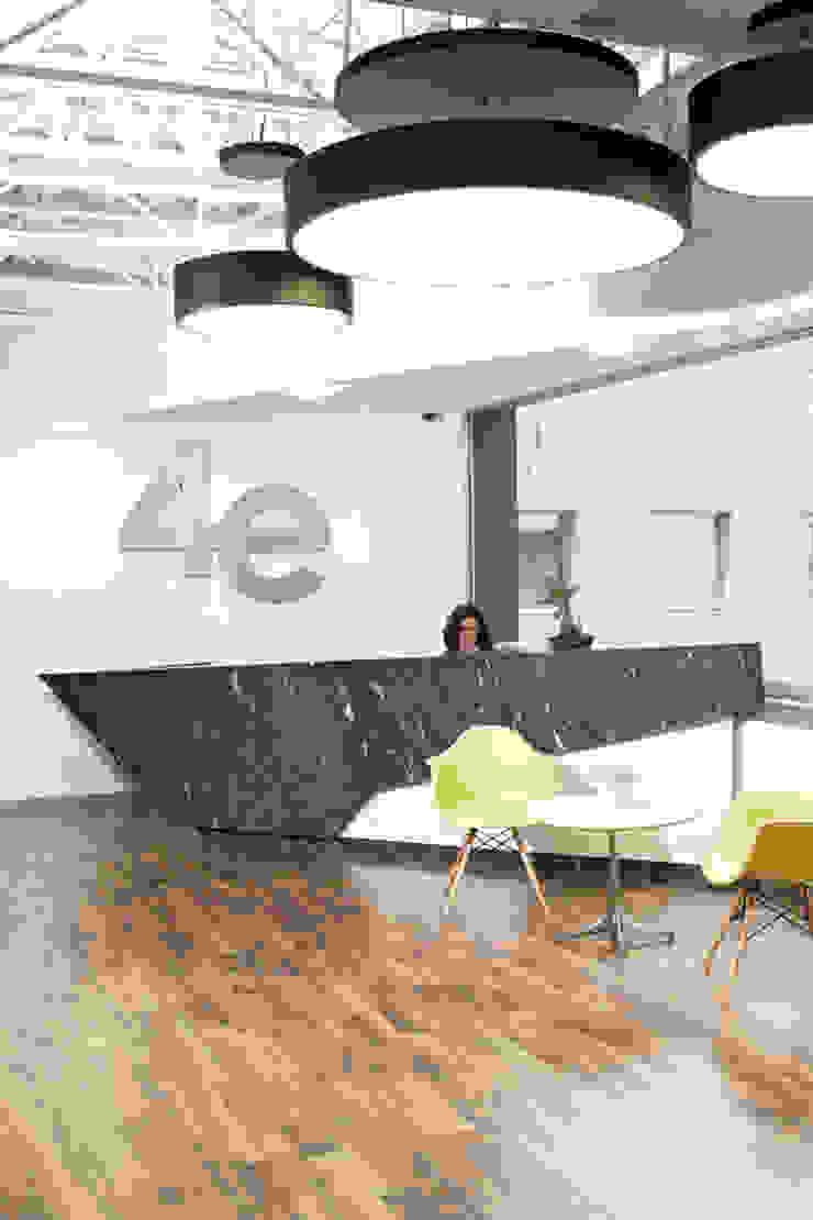 Vestíbulo Edificios de oficinas de estilo moderno de Oxígeno Arquitectura Moderno