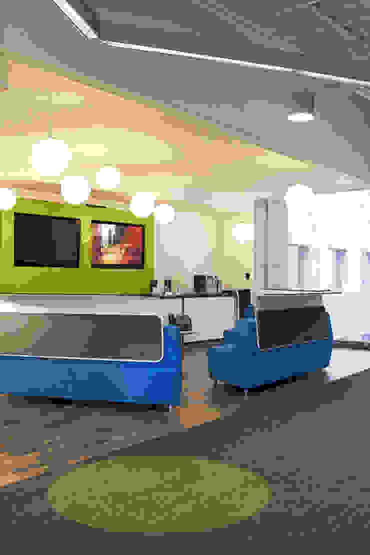 Sala lounge. Media-scape de Oxígeno Arquitectura Moderno