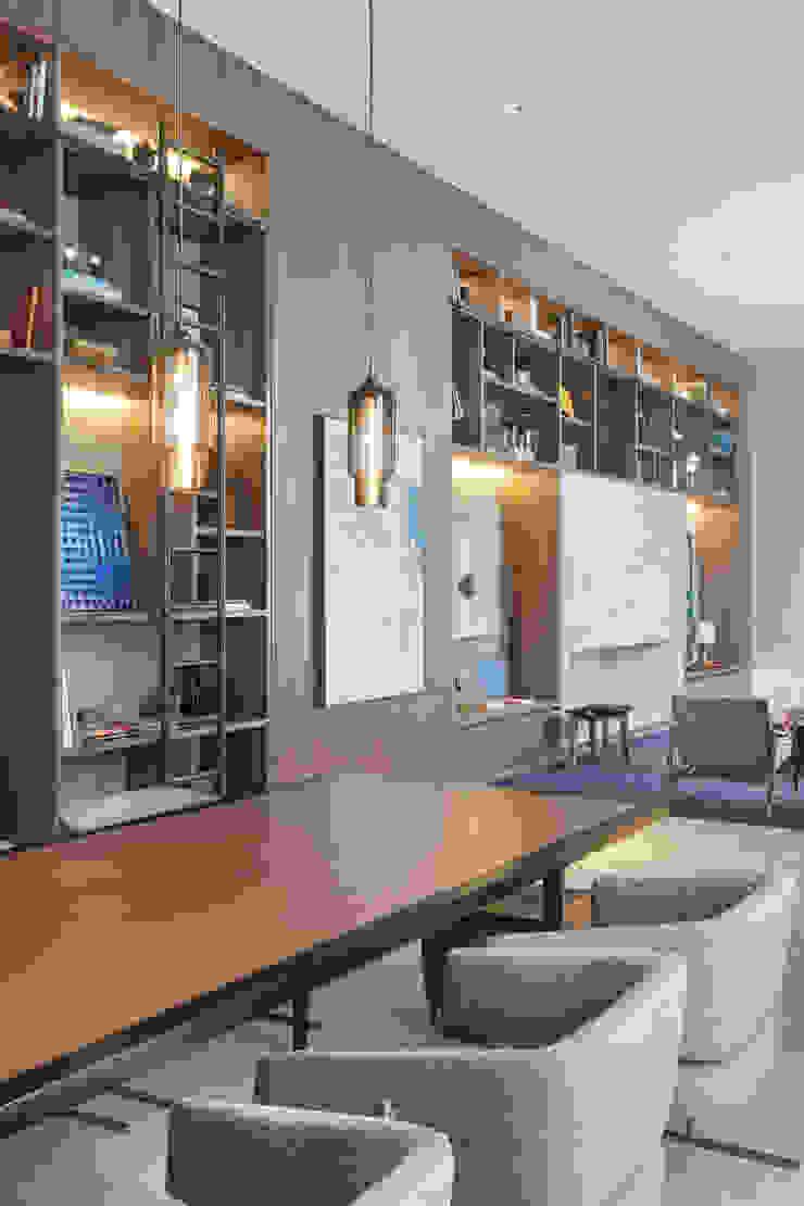Centros de exposiciones de estilo moderno de Anexo Arquitetura Moderno