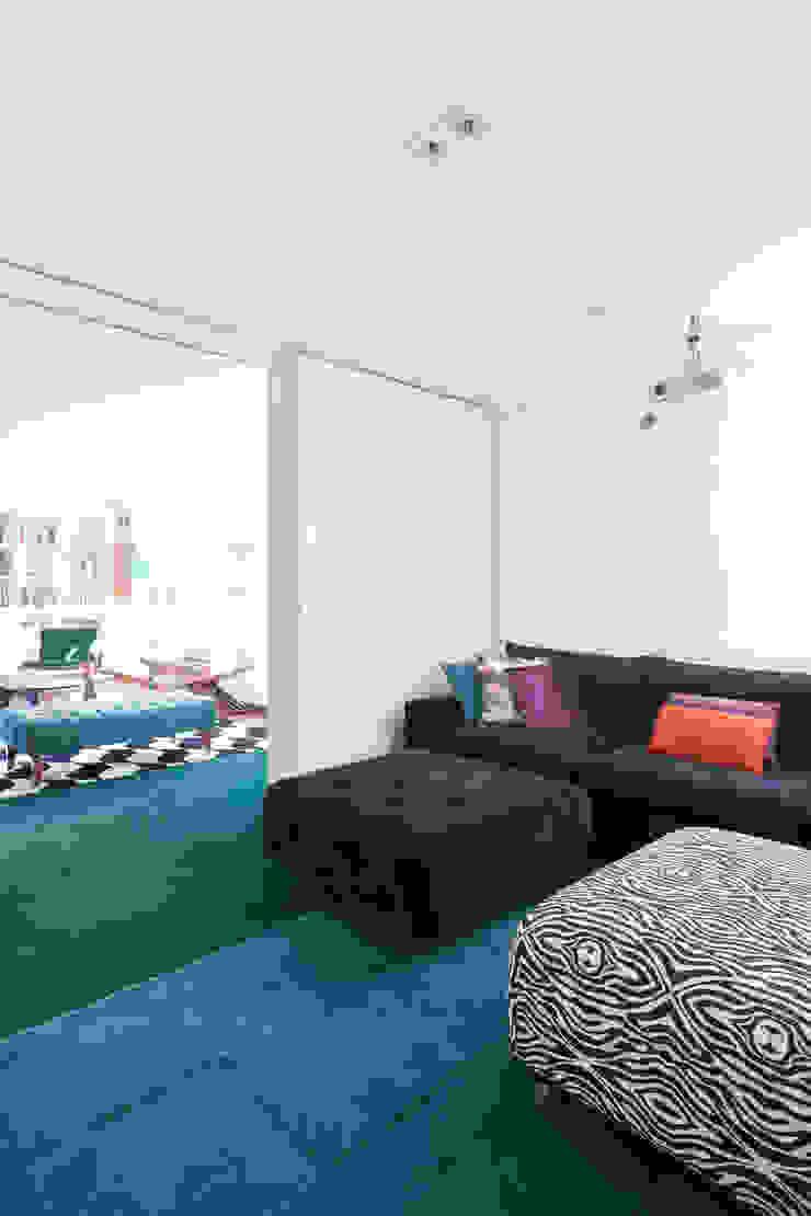 Projeto Amauri Salas de estar modernas por Suite Arquitetos Moderno