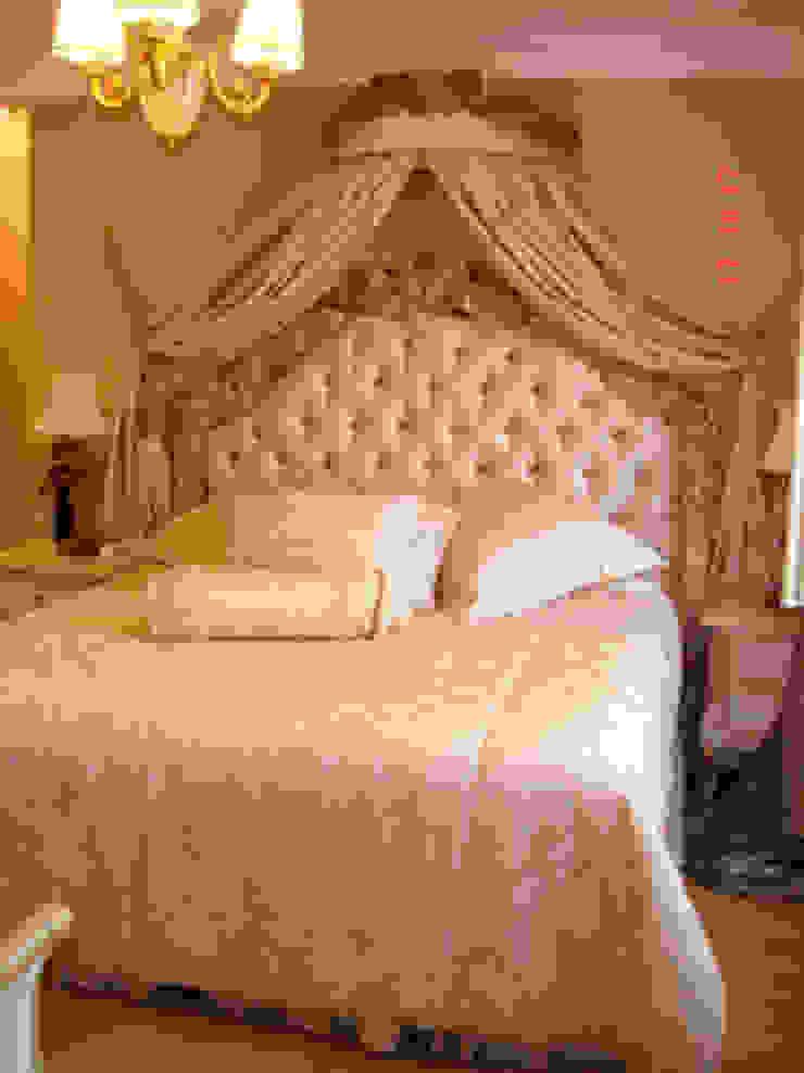 Camera da letto moderna di AR-ES MİMARLIK TİCARET LTD STİ Moderno