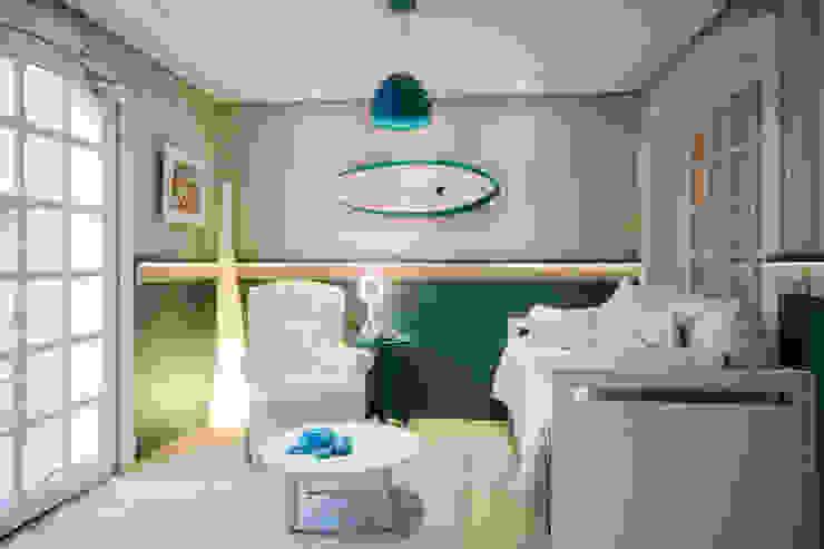 MOSTRA BABY DREAMS – 2014 Quarto infantil moderno por Bender Arquitetura Moderno