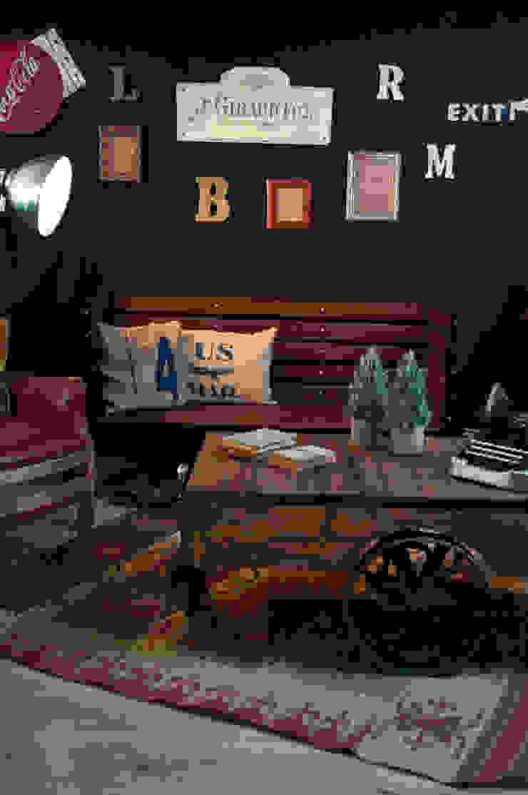 Sala estilo vintage-industrial:  de estilo industrial por Noelia Ünik Designs, Industrial
