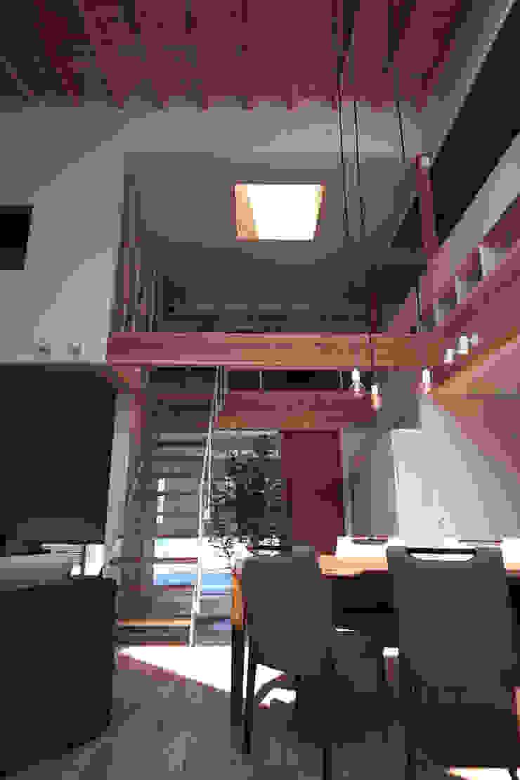 seep out モダンスタイルの 玄関&廊下&階段 の 建築設計事務所SAI工房 モダン