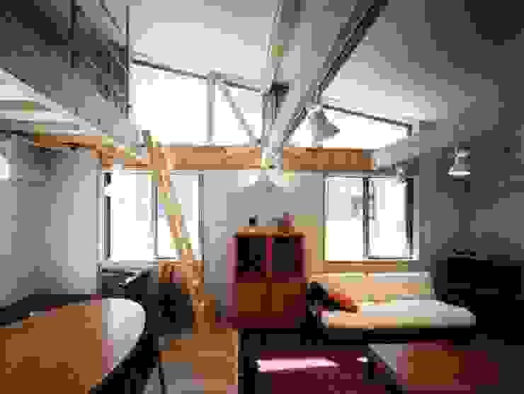 living room カントリーデザインの リビング の H.Maekawa Architect & Associates カントリー