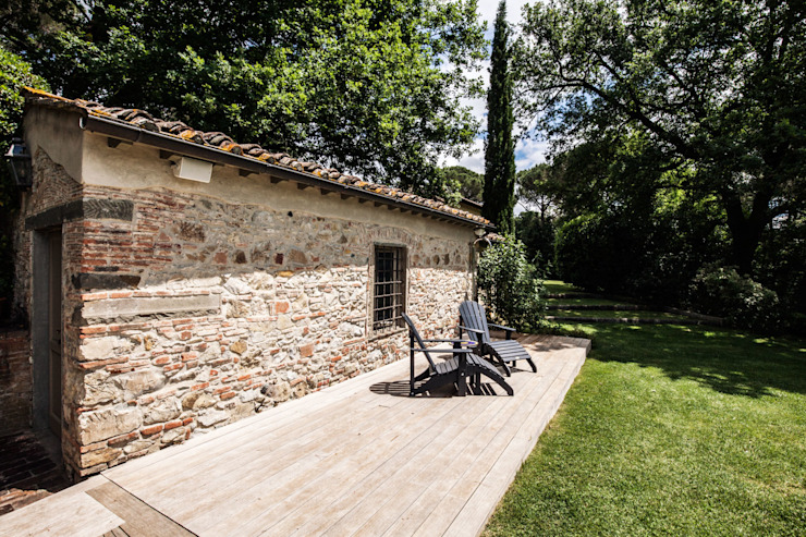 Villa in Toscana Giardino in stile mediterraneo di Miidesign Mediterraneo