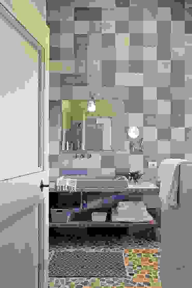 Mediterranean style bathrooms by Marcello Gavioli Mediterranean