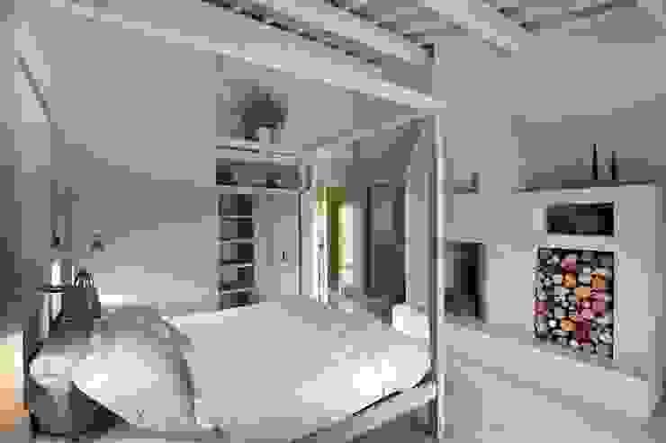 Mediterranean style bedroom by Marcello Gavioli Mediterranean