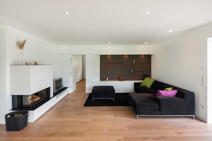 Modern living room by wukowojac architekten Modern