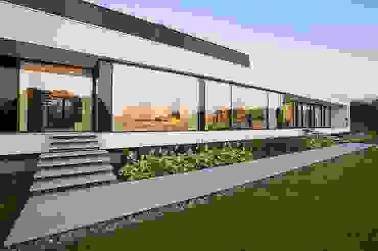 Modern home by MOBIUS ARCHITEKCI PRZEMEK OLCZYK Modern