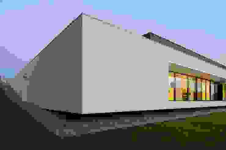 MOBIUS ARCHITEKCI PRZEMEK OLCZYK Modern houses