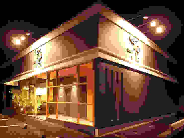 FACADE モダンな 家 の 橋本デザイン事務所 モダン