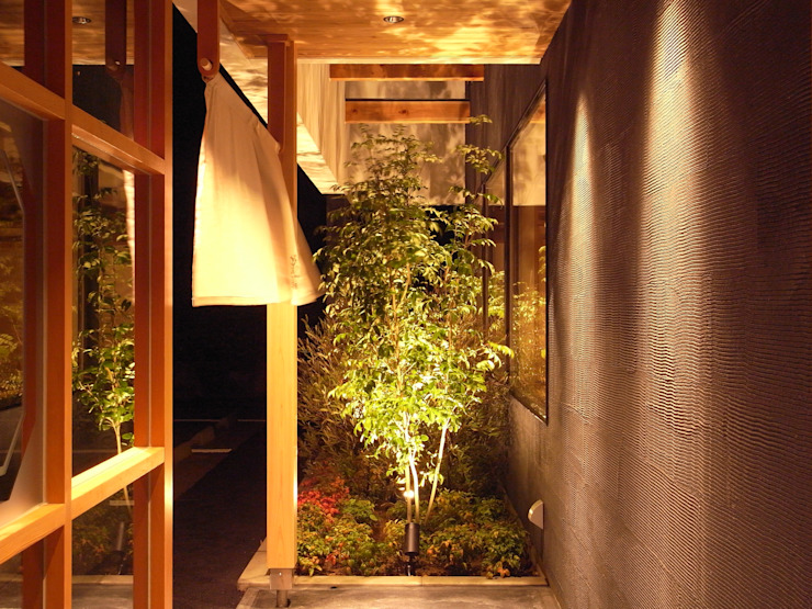 ENTRANCE モダンな 家 の 橋本デザイン事務所 モダン