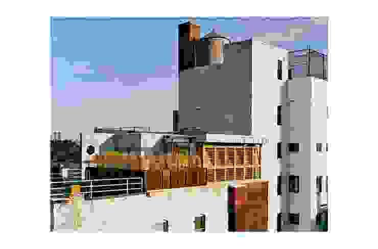 dolny manhattan penthouse Nowoczesny balkon, taras i weranda od Zbigniew Winiarczyk Nowoczesny
