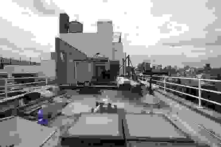 dolny manhattan penthouse od Zbigniew Winiarczyk