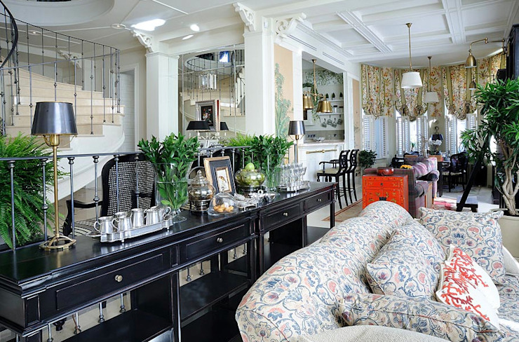 Living room by DecorAndDesign, Classic