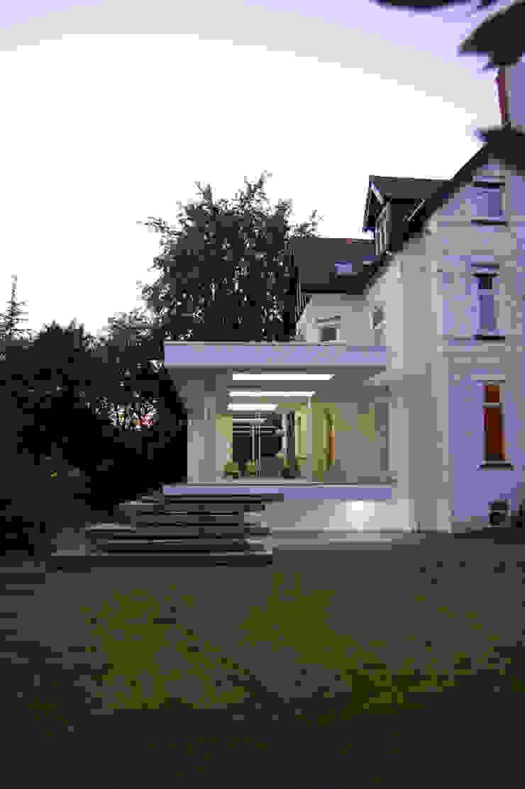Family Garden Room House Extension Modern living room by Ferrious Modern