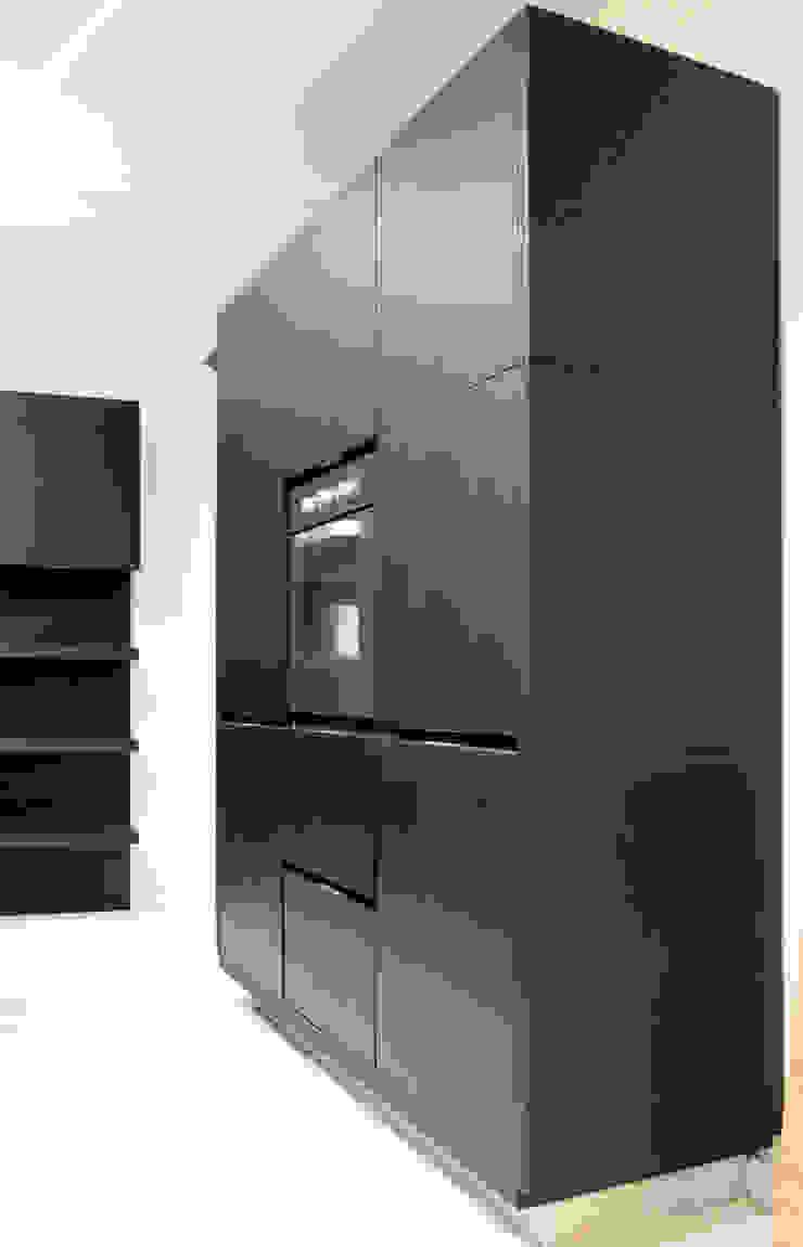 Modern kitchen by Valentini Arredamenti Modern