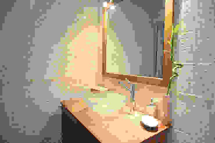 Salle de bain nordique Salle de bain originale par Sandra Dages Éclectique