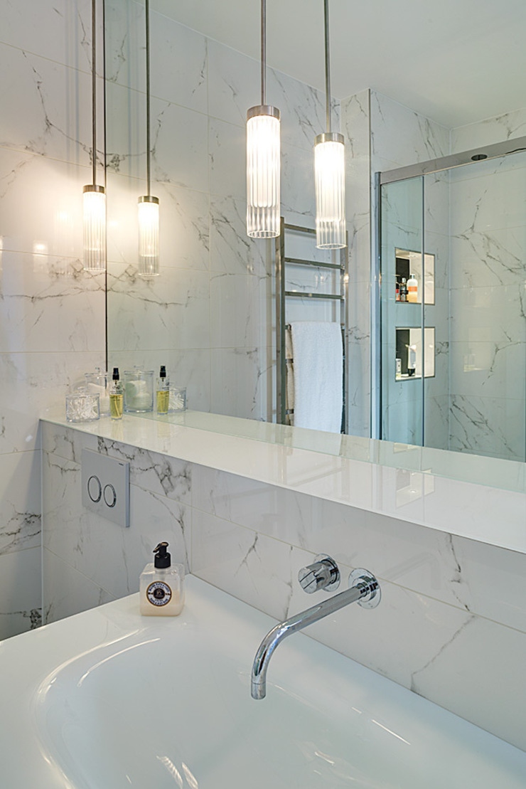 Sloane Square pied d'terre Modern houses by At Home Interior Design Consultants Cambridge Modern