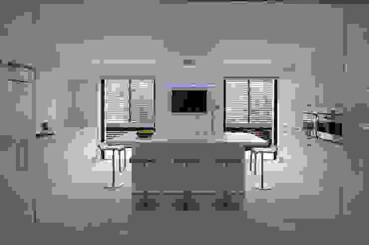 Modern Kitchen by Vincent Coste Architecte Modern