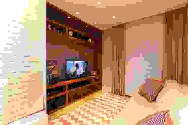 Cidade Jardim | Residenciais Salas multimídia modernas por SESSO & DALANEZI Moderno
