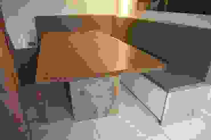 Fitted Kitchen Bench Seating od Hide and Stitch Wiejski
