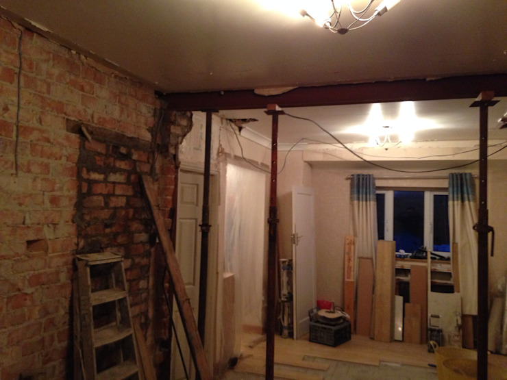 Ceiling with circles built in Living room by Lancashire design ceilings