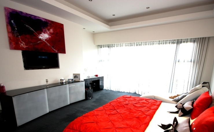 Cinema room and home automation Modern media room by Inspire Audio Visual Modern