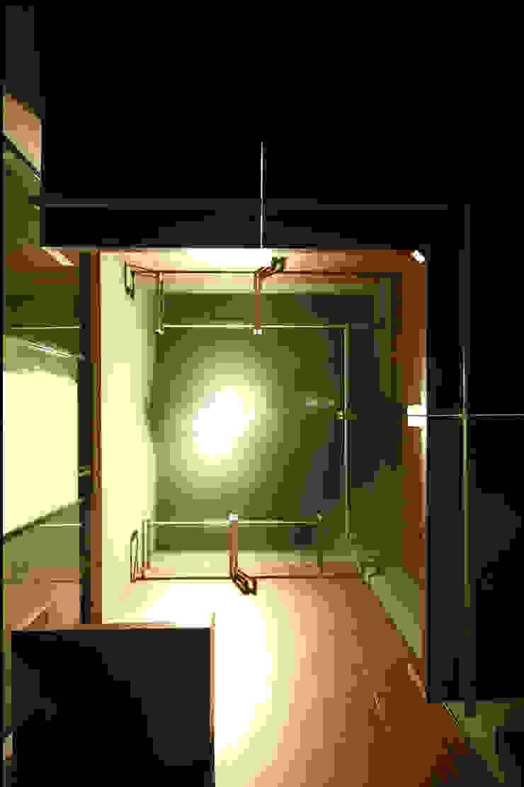 CASA AT Case moderne di Andrea Orioli Moderno