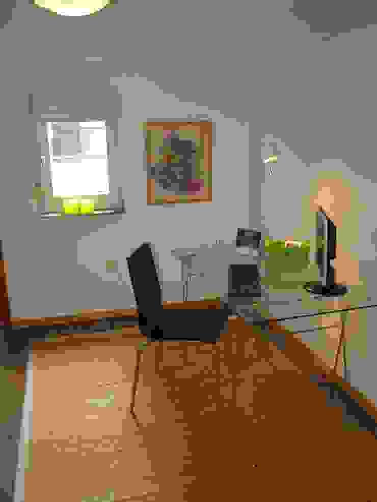 Arbeitszimmer nach dem Staging Raumpraesenz-Homestaging