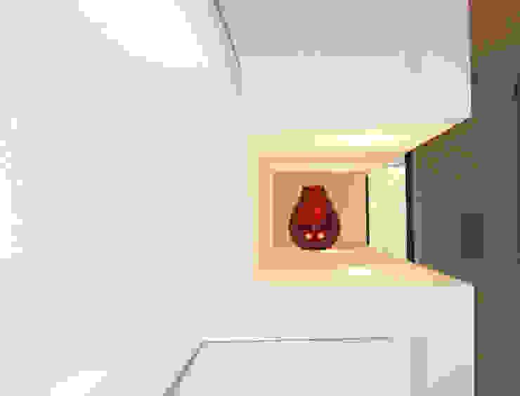 Casa m+l Soggiorno minimalista di Laura Marini Architetto Minimalista