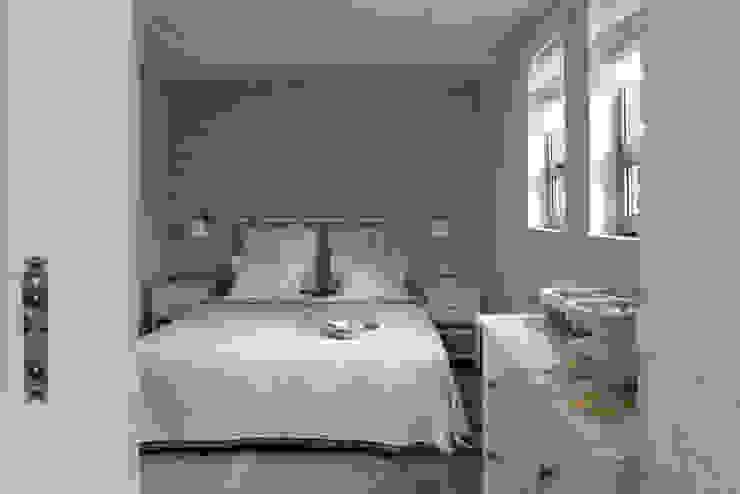 AA s.c. Anatol Kuczyński Anna Kuczyńska Rustic style bedroom