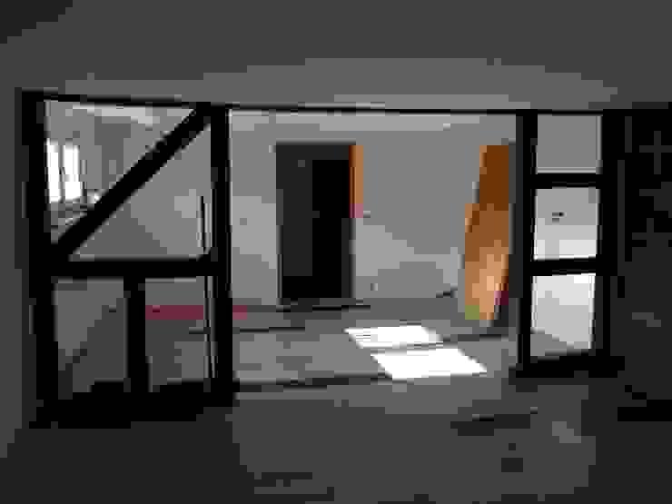 Wohn- Essbereich vor dem Staging Raumpraesenz-Homestaging