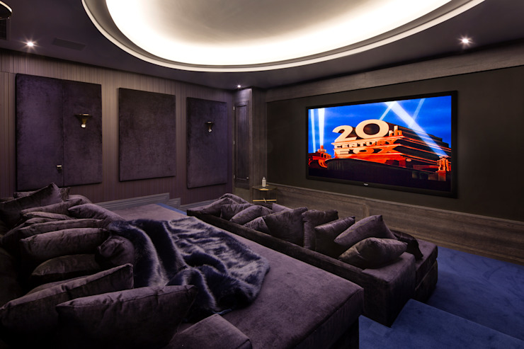 Media room by Celia Sawyer Luxury Interiors,