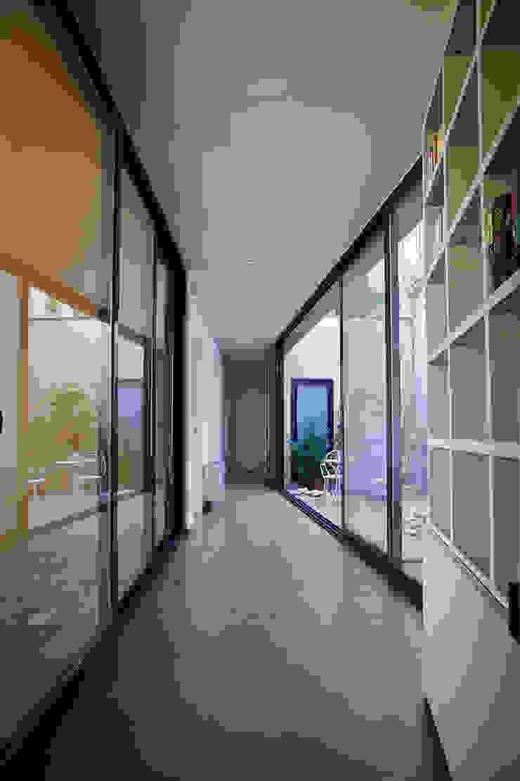 Casa Reiten Case moderne di GAP Studio Moderno