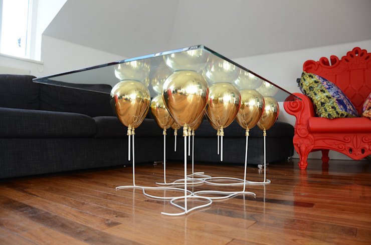 ​The Up Balloon Coffee Table gold di Duffy London