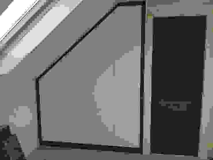 Loft wardrobes: modern  by Smiths fitted wardrobes Ltd, Modern