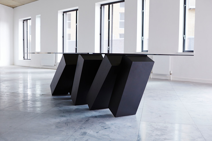 Megalith Table от Duffy London