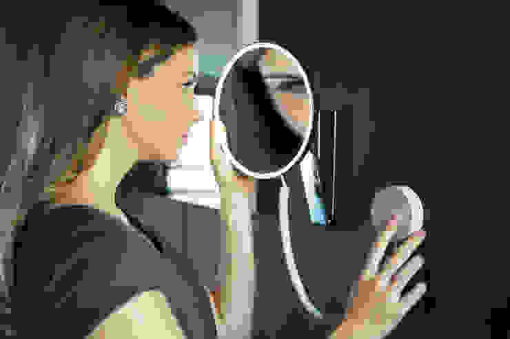 Specchio cosmetico iLook_move di Keuko di Blue Responsibility