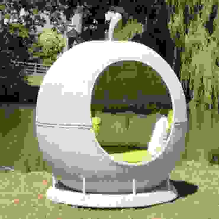 White Rotating Apple Daybed de Commercial Furniture UK LTD Moderno