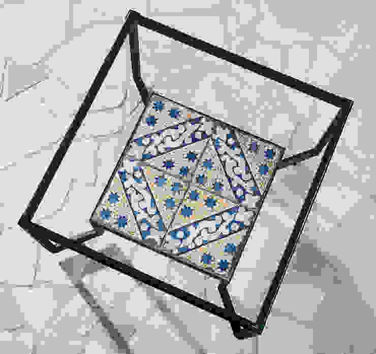 Spider Tiles & Glass Table di Francesco Della Femina Mediterraneo