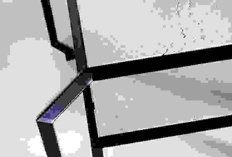 Spider Stone Table di Francesco Della Femina Mediterraneo