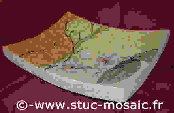 Vasque ou lave-main, lavabo en pierre naturelle et mosaique par Stuc Mosaic Moderne