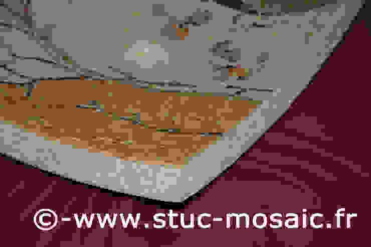 Vasque en marbre contemporaine par Stuc Mosaic Moderne